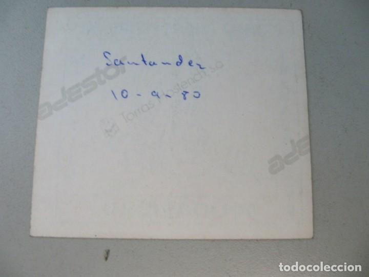 Coleccionismo Papel Varios: Pegatina contra cierre patronal Michelín. Santander año 80. Tamaño 8x7 cm - Foto 2 - 135672751