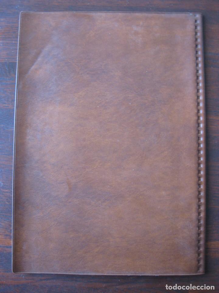 Coleccionismo Papel Varios: Dosier con 20 fundas portafolios para coleccionismo de tebeos, recordatorios, programas, etc - Foto 9 - 146205126