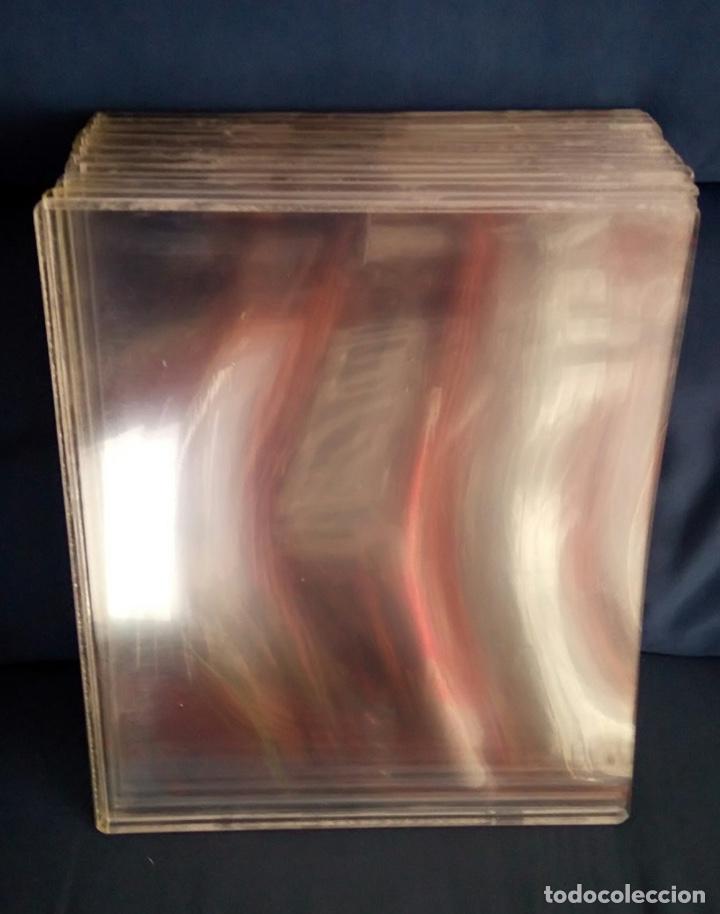 Coleccionismo Papel Varios: Lote de 9 laminas de pvc para conservar periódicos y revistas 35 X 31 con capacidad para 6mm - Foto 2 - 179530120
