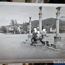 Coleccionismo Papel Varios: LOTE 4 FOTOGRAFÍAS ORIGINALES DE RIAZA SEGOVIA 2 DE LAS TRES CRUCES Y OTRAS 2 DEL PUEBLO AÑOS 60. Lote 151337014