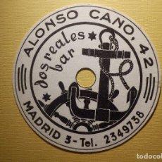 Coleccionismo Papel Varios: POSAVASOS PUBS Y DISCOTECAS - BAR DOS REALES - ALONSO CANO, 42 - MADRID. Lote 151464542