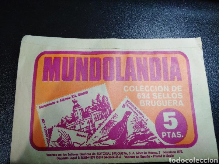 Coleccionismo Papel Varios: Coleccion sellos Bruguera Mundolandia sobre nuevo sin abrir. Año 1975 - Foto 2 - 154049221