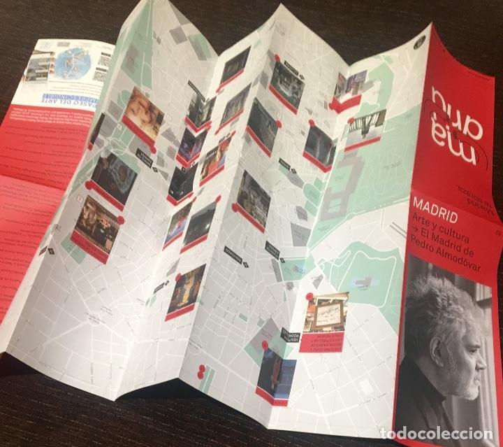 Coleccionismo Papel Varios: El Madrid de Pedro Almodóvar - mapa de Madrid con localizaciones de sus películas - Foto 2 - 233483090