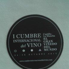 Coleccionismo Papel Varios: POSAVASOS 2013 - CUMBRE INTERNACIONAL VINO - CASTILLA LA MANCHA. Lote 173672475