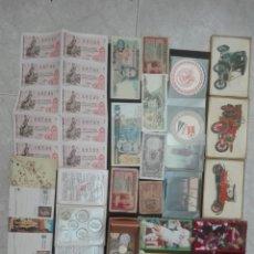 Coleccionismo Papel Varios: CAJA CON CANTIDAD DE MONEDAS ESPAÑOLAS Y EXTRANJERAS BILLETES ESPAÑOLES Y EXTRANJEROS POSTALES. Lote 173926738