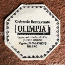 Coleccionismo Papel Varios: ANTIGUO POSAVASOS DE LA CAFETERÍA RESTAURANTE OLIMPIA DE BILBAO. 8 X 8 CMS.. Lote 176091718
