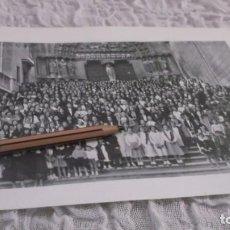 Outros artigos de papel: RECORTE AÑO 1935 - BURGOS. JUVENTUDES FEMENINAS CATOLICAS .ATRAS MADRID TRAJES TIPICOS DE ÁVILA. Lote 192644886
