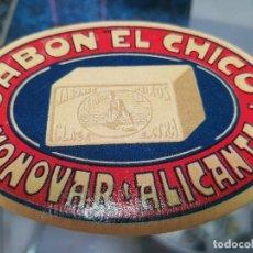 Coleccionismo Papel Varios: ANTIGUA ETIQUETA PUBLICIDAD JABON EL CHICO MONOVAR ALICANTE. Lote 195062653