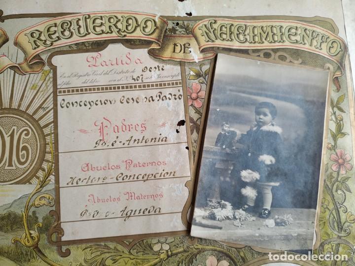 Coleccionismo Papel Varios: ANTIGUO POSTER LITOGRAFICO RECUERDO DEL NACIMIENTO EN EL AÑO 1916 - Foto 3 - 197279053