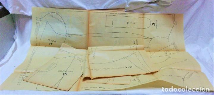 Coleccionismo Papel Varios: LECCIONES SOBRE LA MODA. ACADÉMIA CENTRAL MARTÍ,BARCELONA.LA MODA DE INVIERNO EN 1914-15 - Foto 8 - 236140690