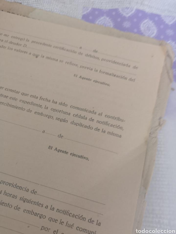 Coleccionismo Papel Varios: Carpeta Con 25 documentos recaudador años 30 - Foto 5 - 201899445