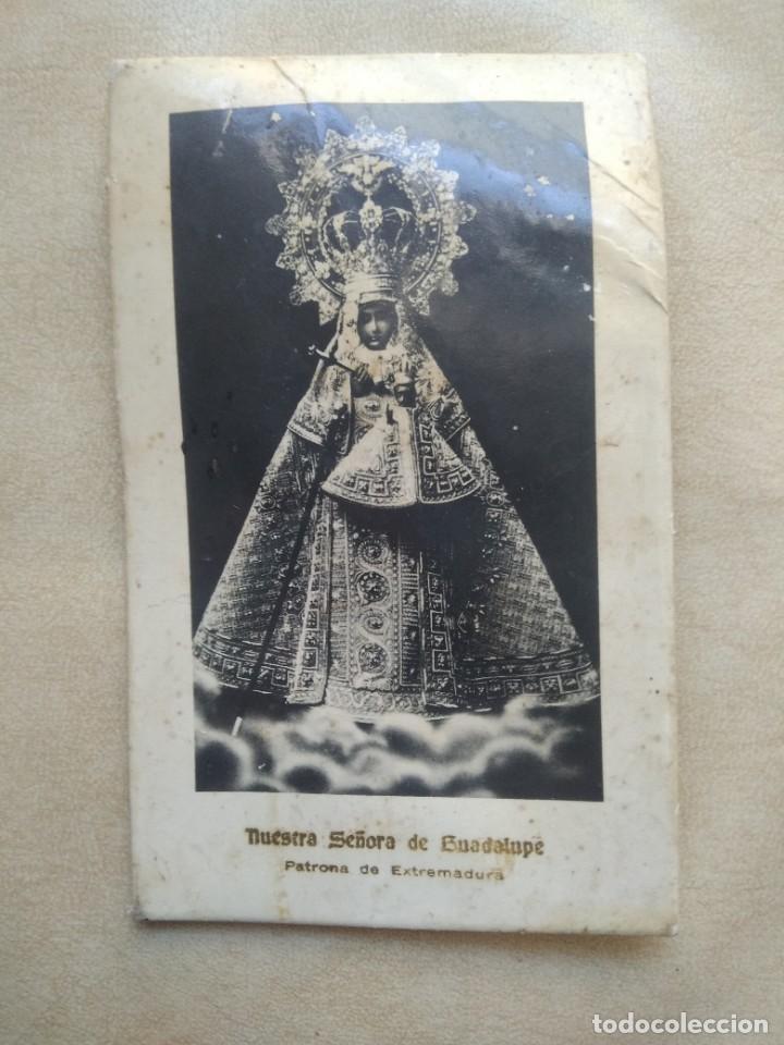 ANTIGUA IMAGEN NUESTRA SEÑORA DE GUADALUPE, PATRONA DE EXTREMADURA EN CARTON DURO, VER FOTOS (Coleccionismo en Papel - Varios)