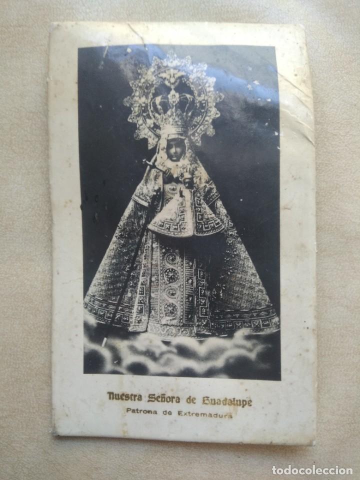 Coleccionismo Papel Varios: Antigua imagen nuestra señora de guadalupe, patrona de extremadura en carton duro, ver fotos - Foto 3 - 227980425