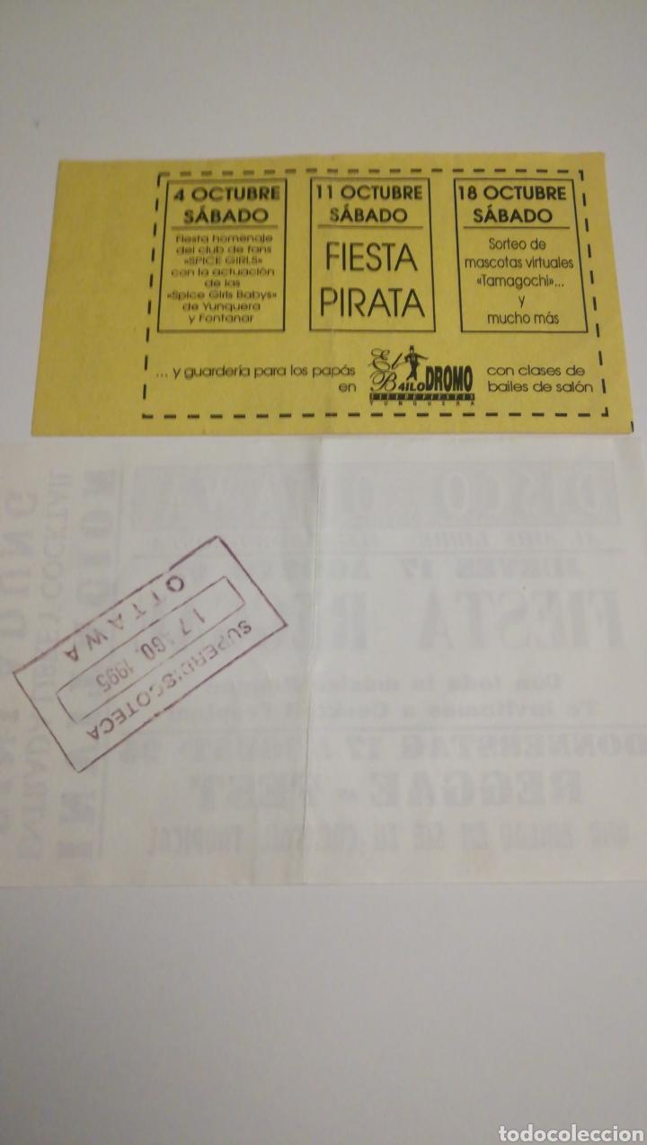 Coleccionismo Papel Varios: 2 DOS ENTRADAS INVITACIÓN DISCO OTAWA YUNQUERA HENARES ALGARROBO COSTA MÁLAGA - Foto 2 - 236626120