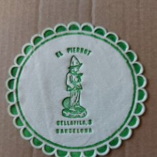 Coleccionismo Papel Varios: 9 CM POSAVASOS REDONDO PAPEL LOCAL RESIDENCIA BAR EL PIERROT BELLAFILA BARCELONA. Lote 288975043