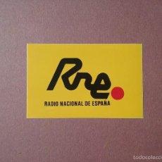 Pegatinas de colección: PEGATINA RNE. RADIO NACIONAL DE ESPAÑA. 4,5 X 7 CM.. Lote 133189275