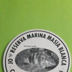 Pegatinas de colección: PEGATINA ADHESIVO JO AMOR RESERVA MARINA MASIA BLANCA COMA-RUGA. Lote 77308815