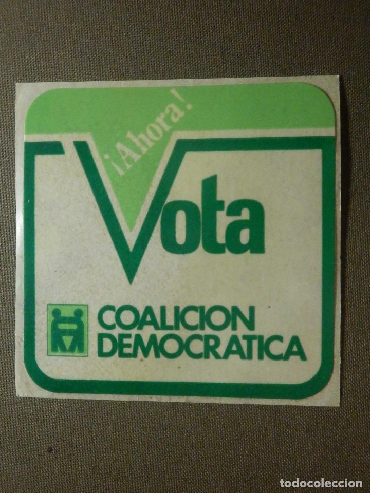 PEGATINA ADHESIVO STICKER - PARTIDO POLÍTICO - VOTA COALICIÓN DEMOCRÁTICA CUADRADO - TRANSICIÓN - (Coleccionismos - Pegatinas)