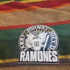 Pegatinas de colección: ANTIGUA PEGATINA DE RAMONES. . Lote 95769231