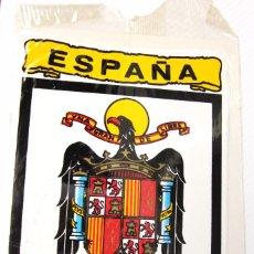 Pegatinas de colección: ANTIGUA PEGATINA DE ESPAÑA,BANDERA Y ESCUDO ,ÉPOCA DE FRANCO,ARTICULO COLECCIONISMO. Lote 96017391