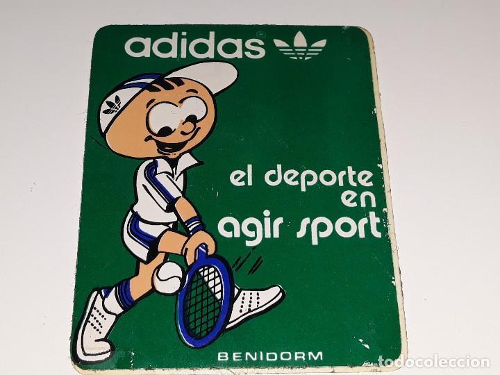 Punto Geometría gastar  Antigua pegatina de adidas - tienda el deporte - Vendido en Venta Directa -  108863207