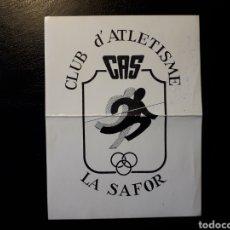 Pegatinas de colección: PEGATINA CLUB D'ATLETISME SAFOR. (GANDIA). DOBLADA. VER FOTOS.. Lote 127801891