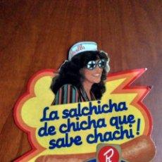 Pegatinas de colección: PEGATINA REVILLA LA SALCHICHA DE CHICHA QUE SABE CHACHI. Lote 141257986