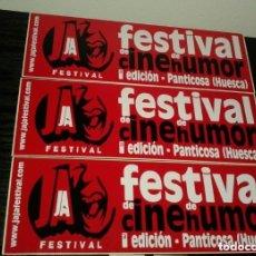 Pegatinas de colección: -PEGATINA FESTIVAL DE CINE DE HUMOR - PANTICOSA HUESCA - X 3 ROJA. Lote 151172330