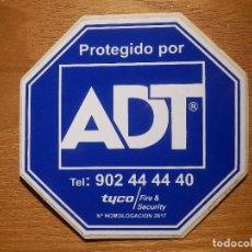 Pegatinas de colección: PEGATINA - ADHESIVO - STICKER - ALARMAS - ADT - 80 X 80 MM -. Lote 166418662