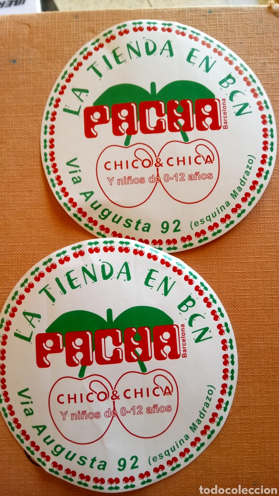 LOTE DE 2 PEGATINAS DE LA TIENDA PACHA. (Coleccionismos - Pegatinas)