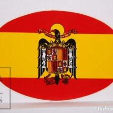 Pegatinas de colección: PEGATINA OVALADA PARA VEHÍCULO ? - BANDERA ESPAÑA CON ÁGUILA DE SAN JUAN - MEDIDAS 14 X 9,5 CM. Lote 222301815