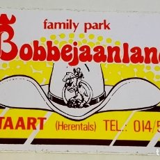 Pegatinas de colección: ANTIGUA PEGATINA DEL FAMILY PARK BOBBEJAANLAND, BÉLGICA / 7X12,5 CM. Lote 178638997