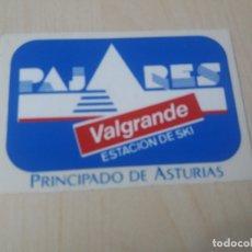 Autocollants de collection: PEGATINA MOTOR PAJARES VALGRANDE ESTACION DE SKI - 9 CM. Lote 179343997