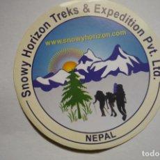 Pegatinas de colección: PEGATINA SNOWY HORIZON EXPEDICION NEPAL. Lote 183868355