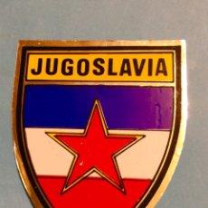 Pegatinas de colección: ANTIGUA PEGATINA JUGOSLAVIA COMUNISTA,YUGOSLAVIA,YUGOESLAVIA,ESCUDO,EMBLEMA NACIONAL. Lote 184568265