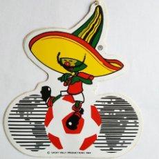 Pegatinas de colección: ANTIGUA PEGATINA PIQUE , MASCOTA DEL MUNDIAL DE FUTBOL MEXICO 86 , SIN PEGAR 10,5 CMS. Lote 202436027