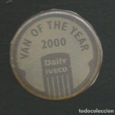 Pegatinas de colección: PEGATINA ORIGINAL NUNCA DESPEGADA VAN OF THE YEAR 200 FURGONETA DAILY IVECO. Lote 210097817