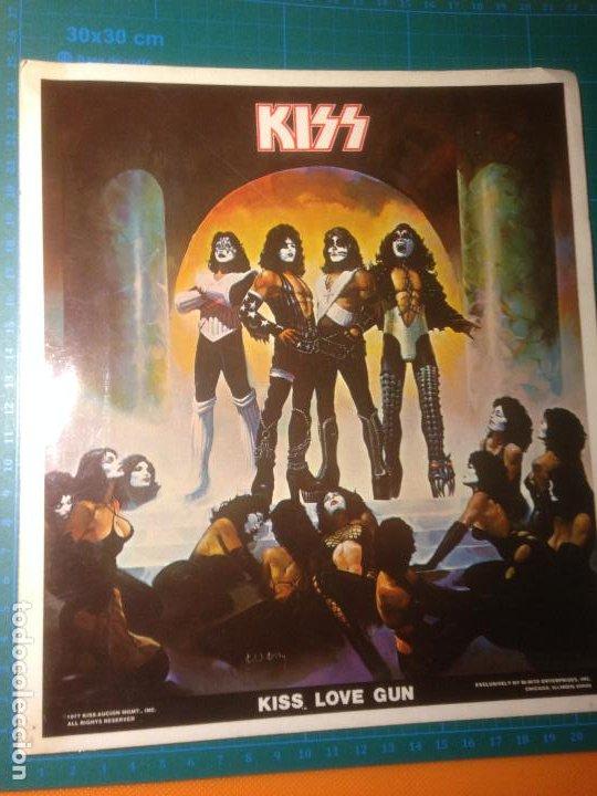 PEGATINA KISS LOVE GUN STICKER 21,5X24,5 CMS (Coleccionismos - Pegatinas)