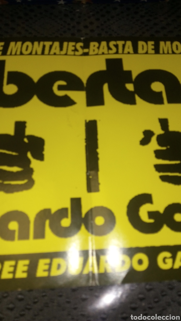 Pegatinas de colección: Pegatina gran tamaño política libertad Eduardo García basta de montajes ver fotos doblez central - Foto 2 - 228212765