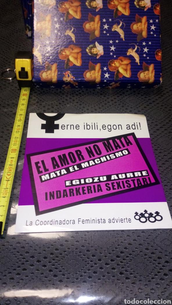 PEGATINA GRAN TAMAÑO FEMINISTA ANTIMACHISTA EN CASTELLANO Y EUSKERA (Coleccionismos - Pegatinas)
