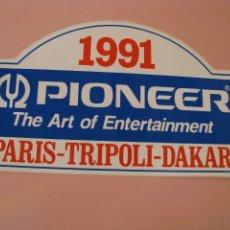 Pegatinas de colección: PEGATINA PIONEER PARIS-TRIPOLI-DAKAR. 1991. 24X14 CM.. Lote 230764955