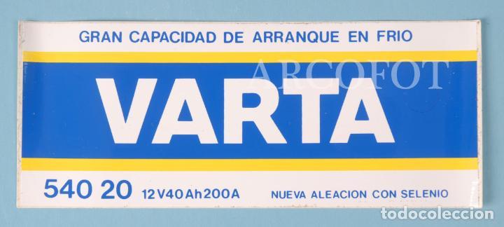 ANTIGUA PEGATINA - VARTA 540 20 - LA DE LAS FOTOS, COMO EN LAS FOTOS (Coleccionismos - Pegatinas)