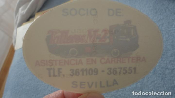 ANTIGUA PEGATINA PARA CRISTALES.SOCIO DE TALLERES M-2 ASISTENCIA EN CARRETERA SEVILLA (Coleccionismos - Pegatinas)