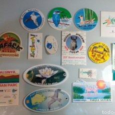 Pegatinas de colección: LOTE DE 15 PEGATINAS FAUNA PARQUES NATURALES AÑOS 90. Lote 243901565