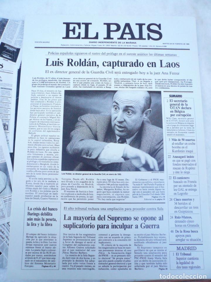Coleccionismo de Periódico El País: LAS PORTADAS EL PAIS. UNA HISTORIA DE LOS ÚLTIMOS 30 AÑOS. 30 PORTADAS. DE 1976 A 2006 - Foto 11 - 138057910
