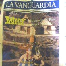 Coleccionismo Periódico La Vanguardia: LA VANGUARDIA .PÁGINAS PERIÓDICO ESPECIAL PARQUE DE ASTERIX . 1989 . PORTADA + 1 PÁGINA. COLOR. Lote 40931800