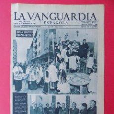 Coleccionismo Periódico La Vanguardia: HOJA LA VANGUARDIA, NOTAS GRAFICAS BARCELONESAS, 1956 - REVERSO PUBLICIDAD.. R-6572. Lote 92103595