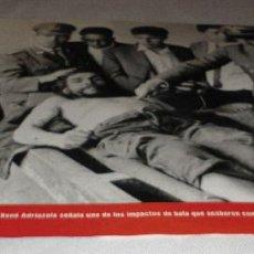 Coleccionismo Periódico La Vanguardia: FOTOGRAFIA EL CORONEL BOLIVIANO CHE GUEVARA DE LA COLECCION FOTOS QUE HACEN HISTORIA LA VANGUARDIA. Lote 148102198
