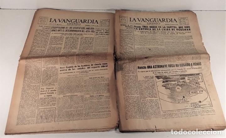 Coleccionismo Periódico La Vanguardia: LA VANGUARDIA ESPAÑOLA. 4 EJEMPLARES. MÀRIUS CAROL. BARCELONA. 1965/66. - Foto 4 - 181721007