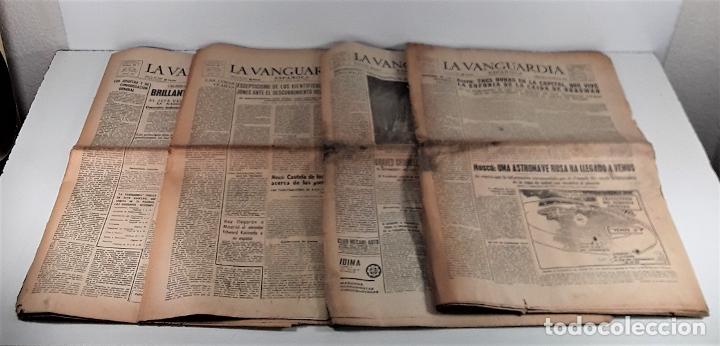 LA VANGUARDIA ESPAÑOLA. 4 EJEMPLARES. MÀRIUS CAROL. BARCELONA. 1965/66. (Coleccionismo - Revistas y Periódicos Modernos (a partir de 1.940) - Periódico La Vanguardia)